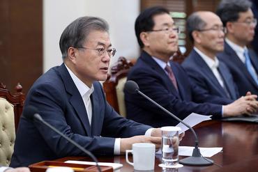 文대통령, 오늘 美국방장관대행 접견…北군사동향·한반도정세 논의